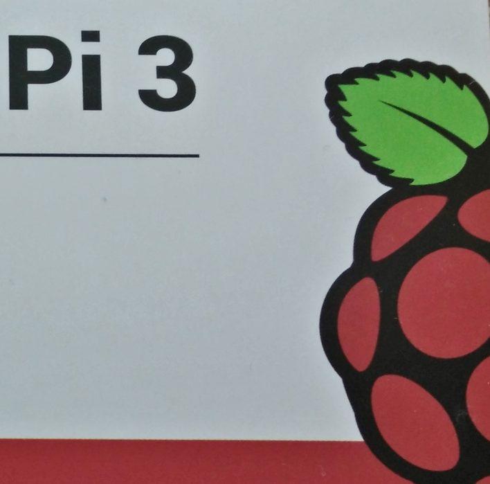 「ラズベリーパイ」(Raspberry Pi 3 ModelB)が「レゴ・マインドストーム」より安かったので買った