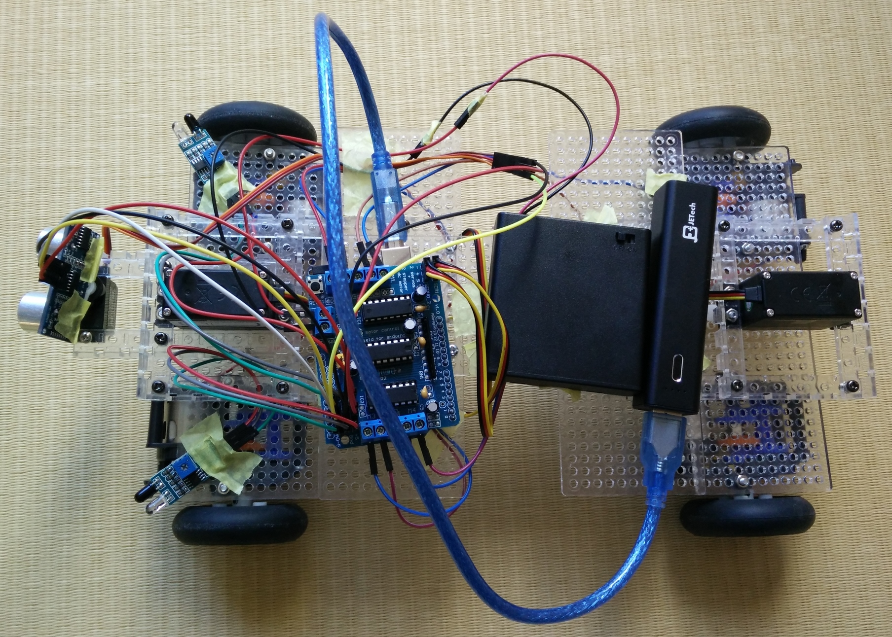 Arduino Uno互換機を使って斜めに移動できる4WD車を作った。